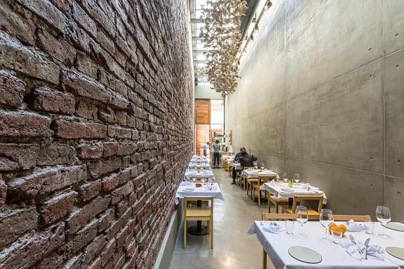 El Papagayo Narrow Lane Turned Into A Design Restaurant