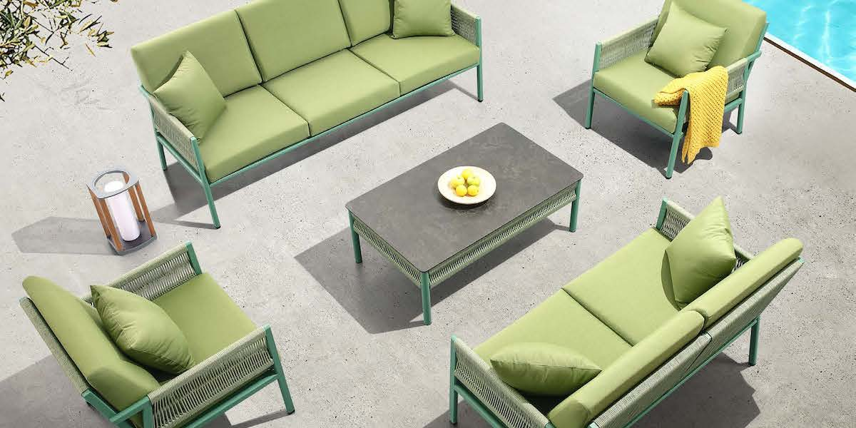 Add a touch of colour and creativity to your garden furniture