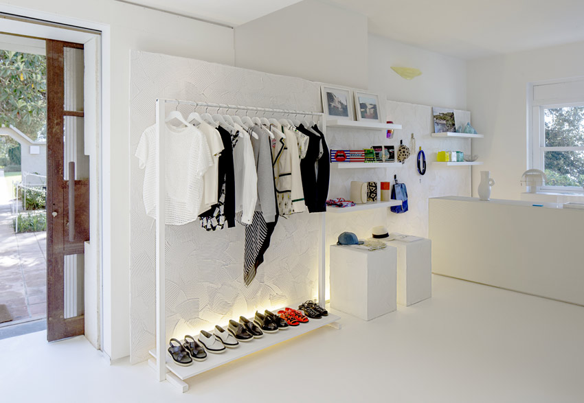 jogging popup store the interior design project that targets sight and touch