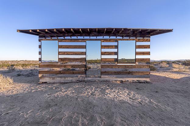 Lucid Stead: illusioni aliene nel deserto