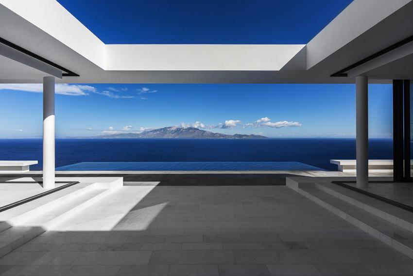 Silver House: la purezza del design greco