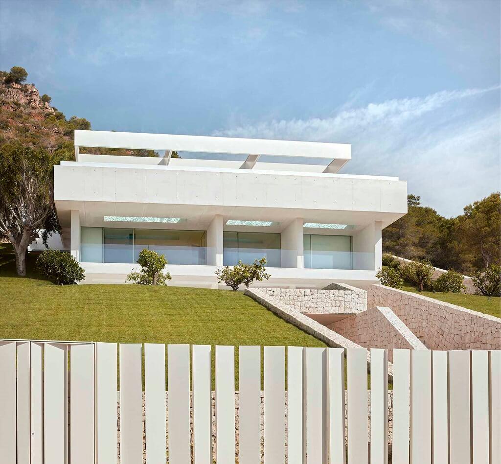 La Casa de la Cantera: la casa che scala la montagna