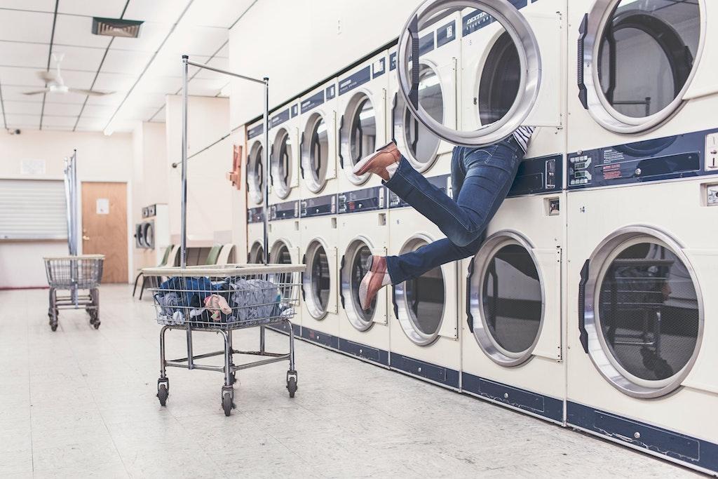 Risparmiare tempo e denaro con la lavasciuga? Ecco come!