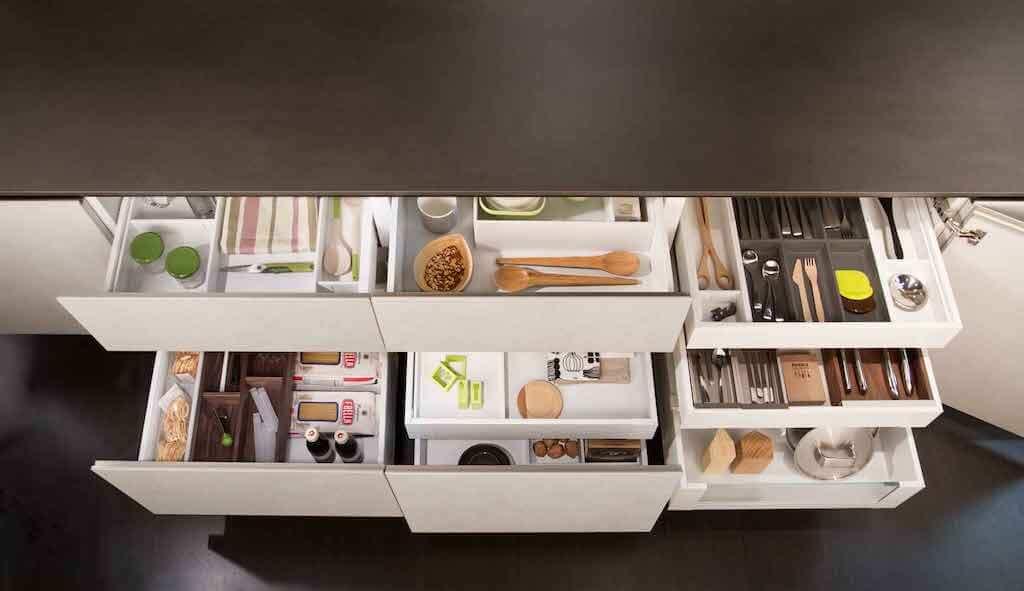 Ordine in cucina semplice con gli accessori giusti - Accessori cucina design ...