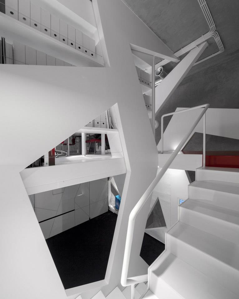 L ufficio di consexto un interior design futuristico for Interior design ufficio