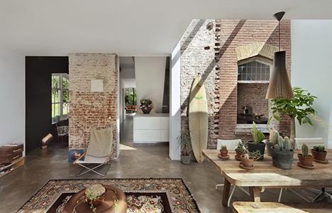 La casa-stazione di Zecc Architects