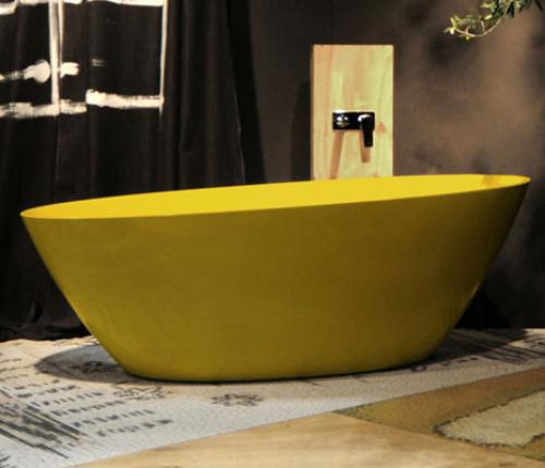 La vasca si veste di giallo