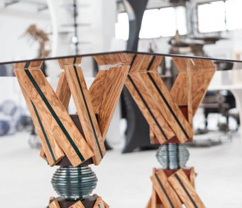 Candy table: a symphony between wood, glass and iron