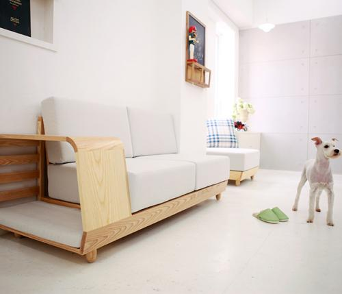 Un divano  per due: dog house sofa