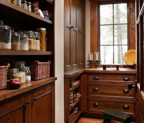 What's the difference between a Scullery and a Butler's Pantry - and why have either?