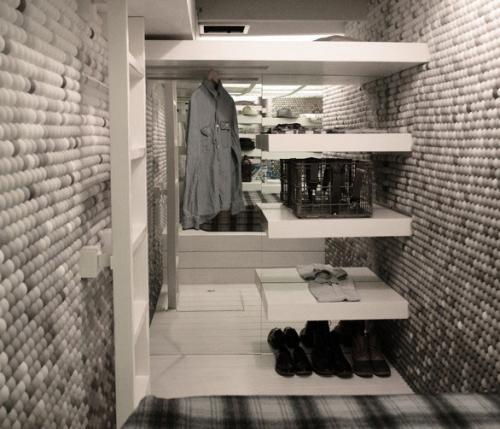 Un loft fatto da 25 000 palline da ping pong for Prezzo al piede quadrato per costruire un garage