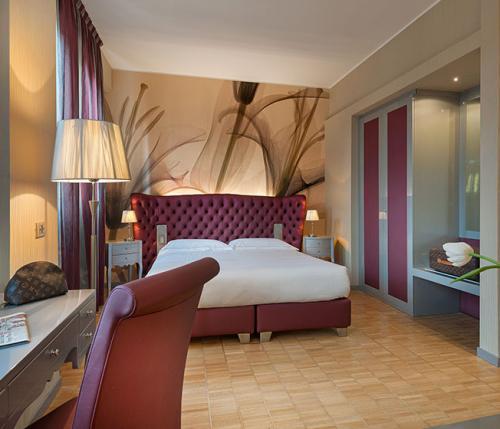 Medium Hotel Interior: Hotel Ariston