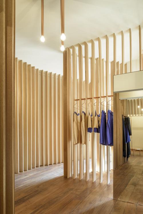 ZELLER & MOYE completed store for SANDRA WEIL in Mexico City