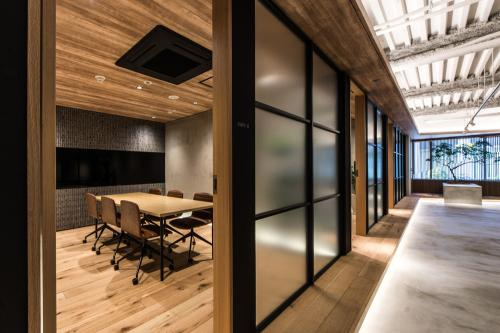 Sojitz Reit Advisors office designed by Canuch Inc.