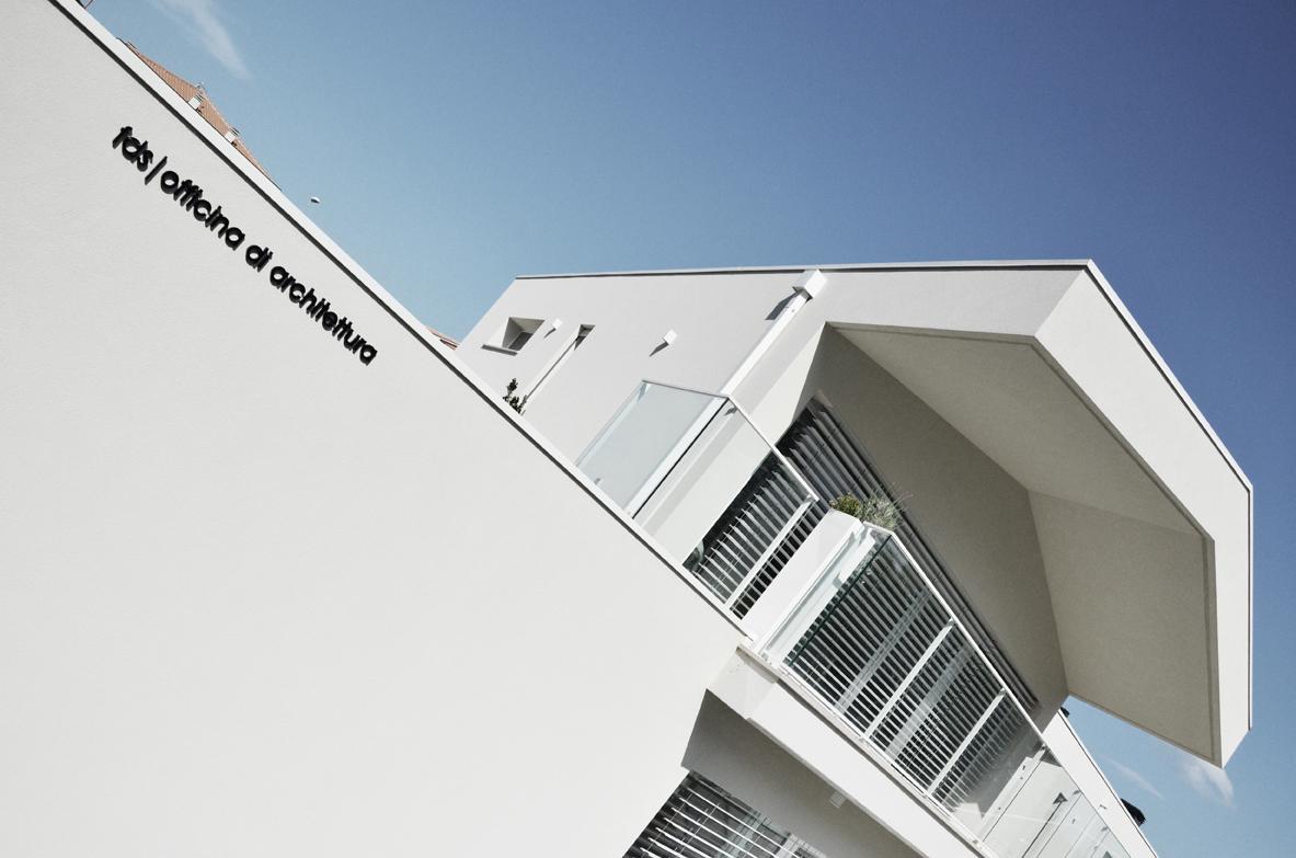 Casa studio abitare l 39 officina for Abitare design studio