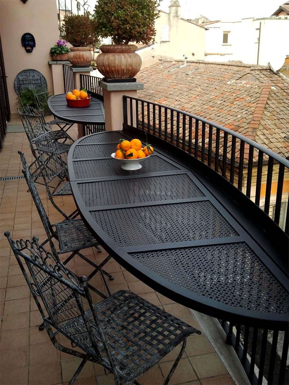 Allestimento balcone for Tavolino per balcone