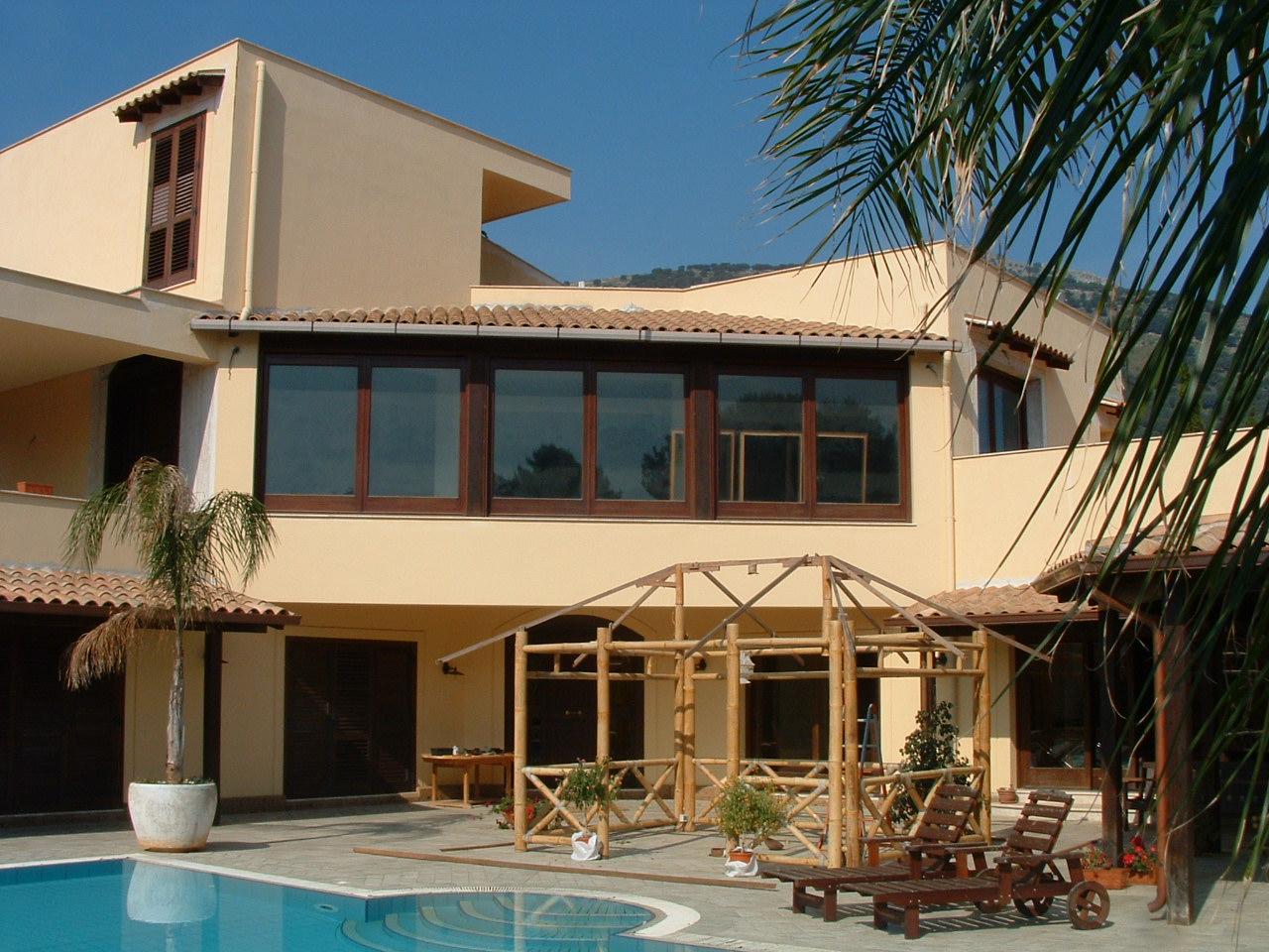 Villa con piscina - Villa con piscina ...