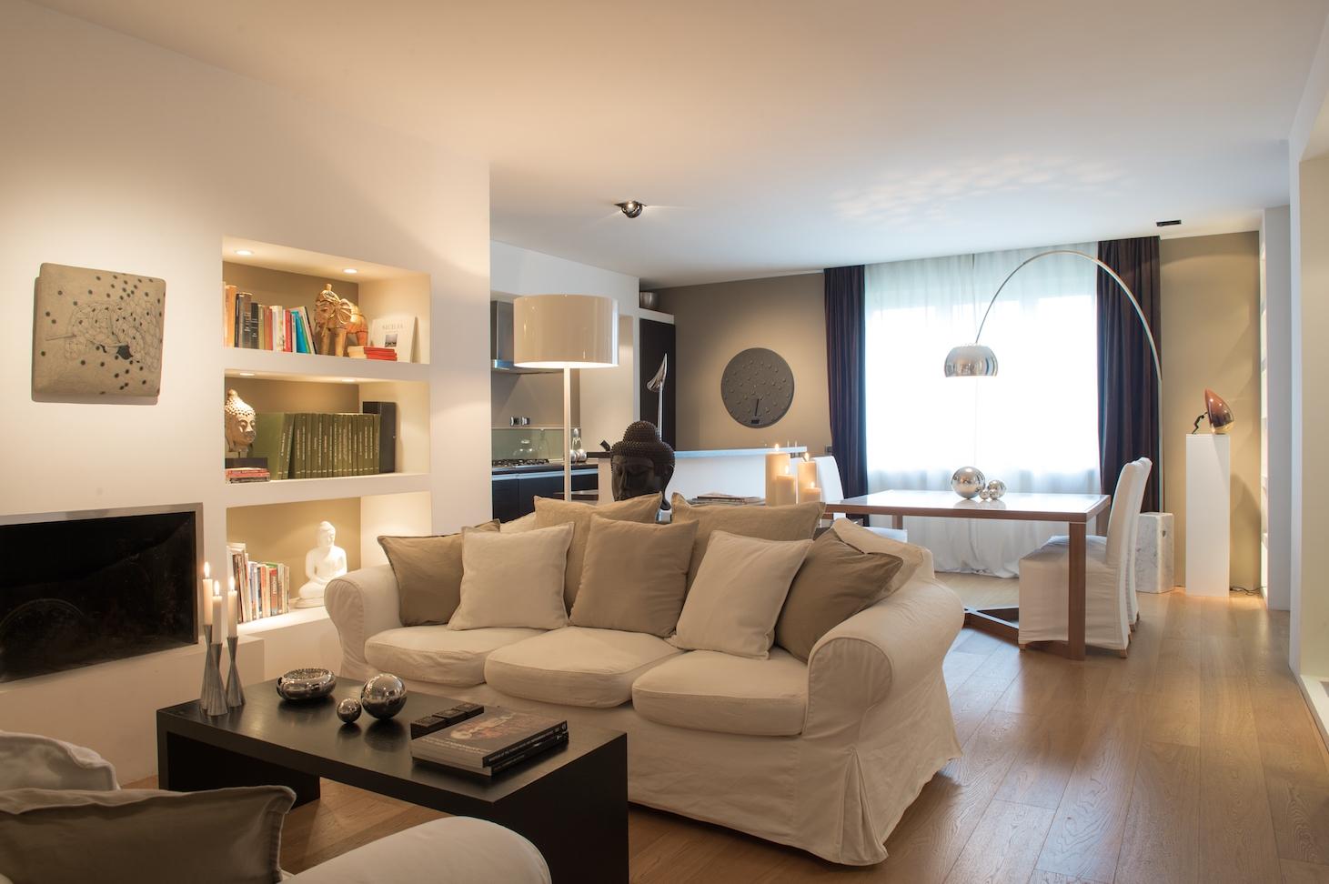 T e home studio for Salotto con tv
