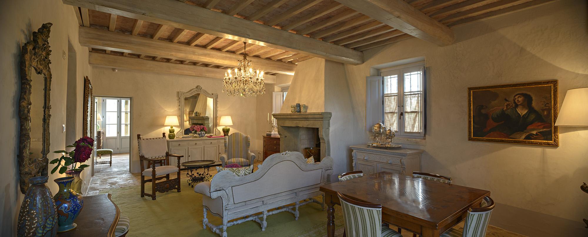 Arredamento casa di campagna grazie alla grande la for Case antiche arredamento