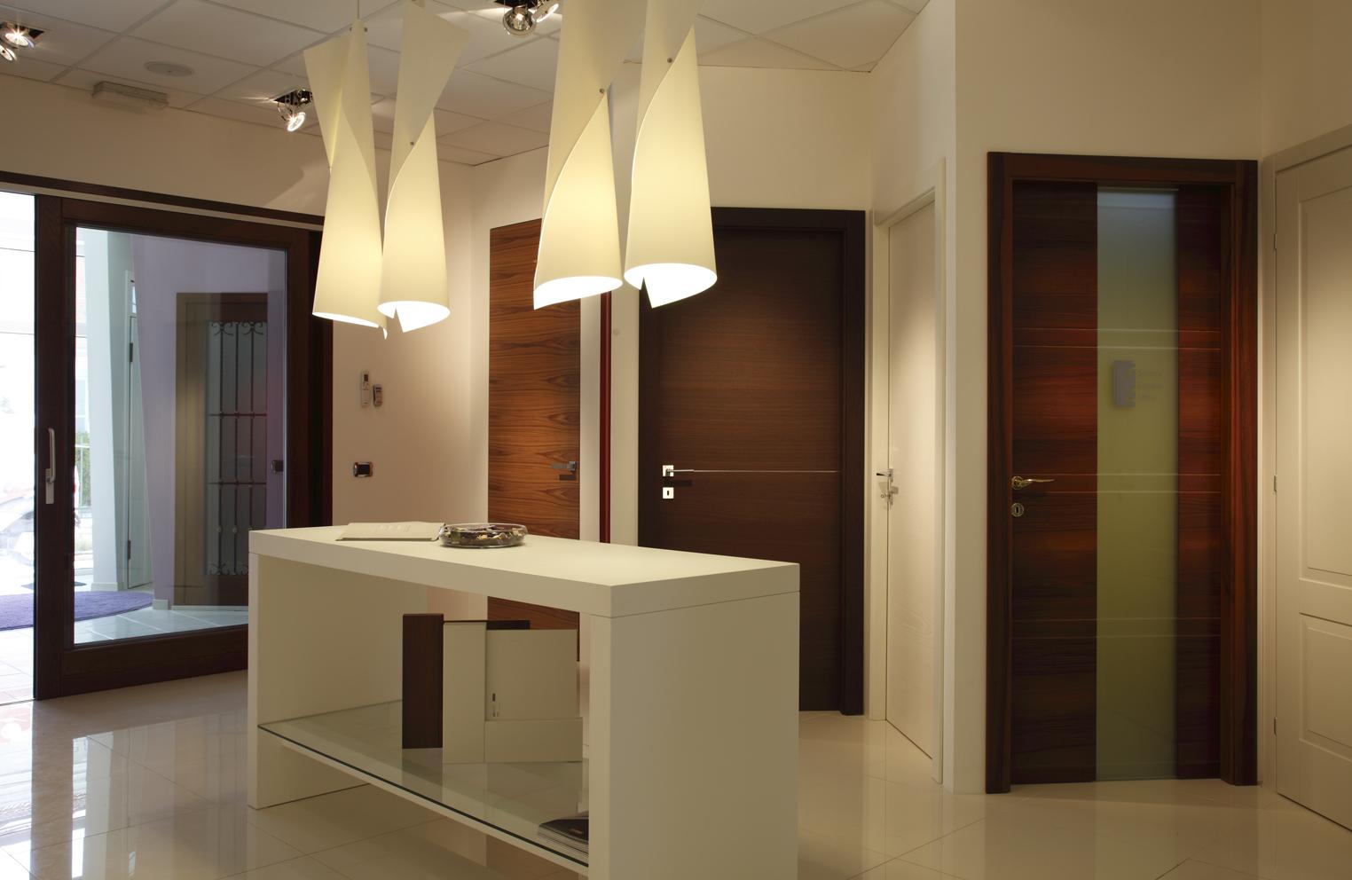 Errebiplast porte e finestre made in italy ristrutturazione showroom - Showroom porte e finestre ...