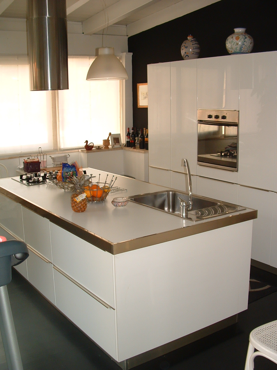Cucina moderna in mansarda for Idee cucina moderna